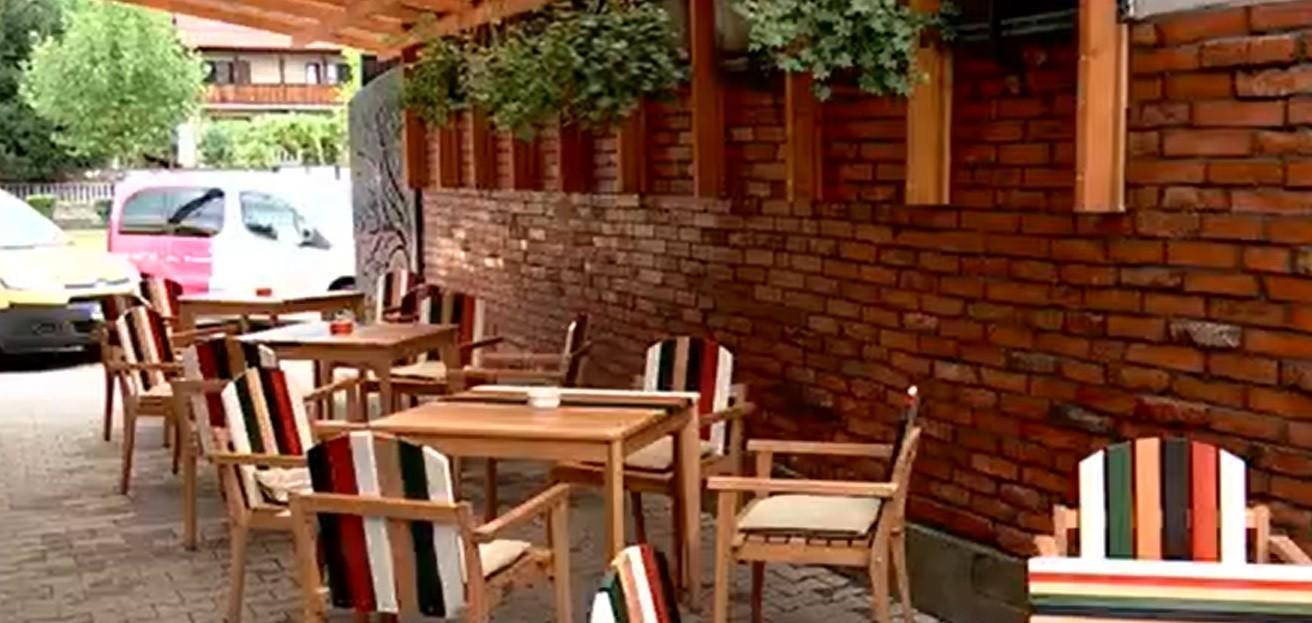 Demisii în restaurante și cafenele. Unii dintre angajați renunţă la job, ca să nu se vaccineze