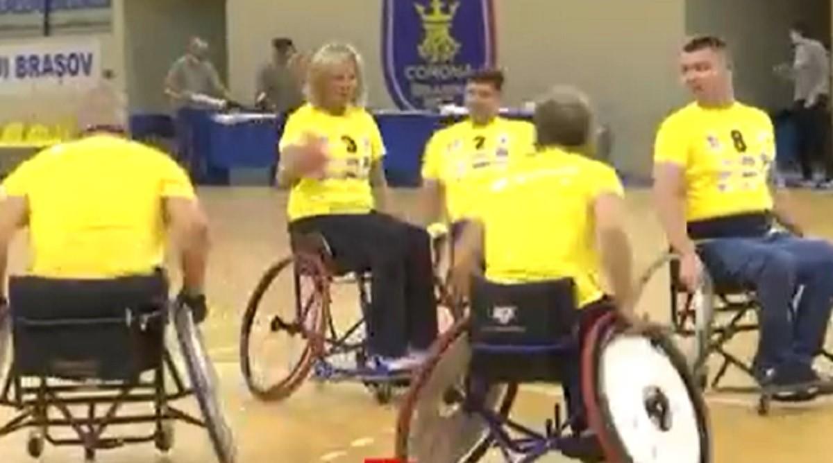 Veronica a vrut să depăşească barierele imposibilului: A înfiinţat o echipă de handbal pentru cei aflaţi în scaunul cu rotile