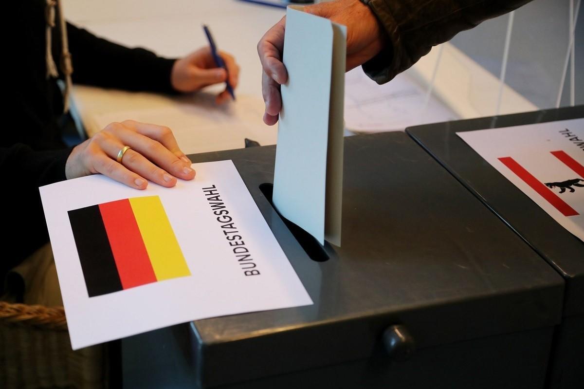 Germania mai are de aşteptat până va afla numele viitorului cancelar. Negocierile pentru formarea unei coaliţii vor fi îndelungate