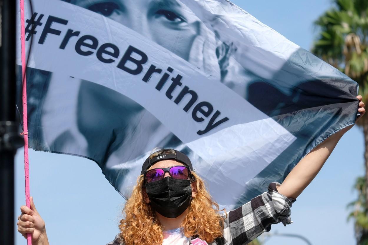 Britney Spears, tot mai aproape de independență. Tatăl său a fost înlăturat din rolul de tutore al averii sale