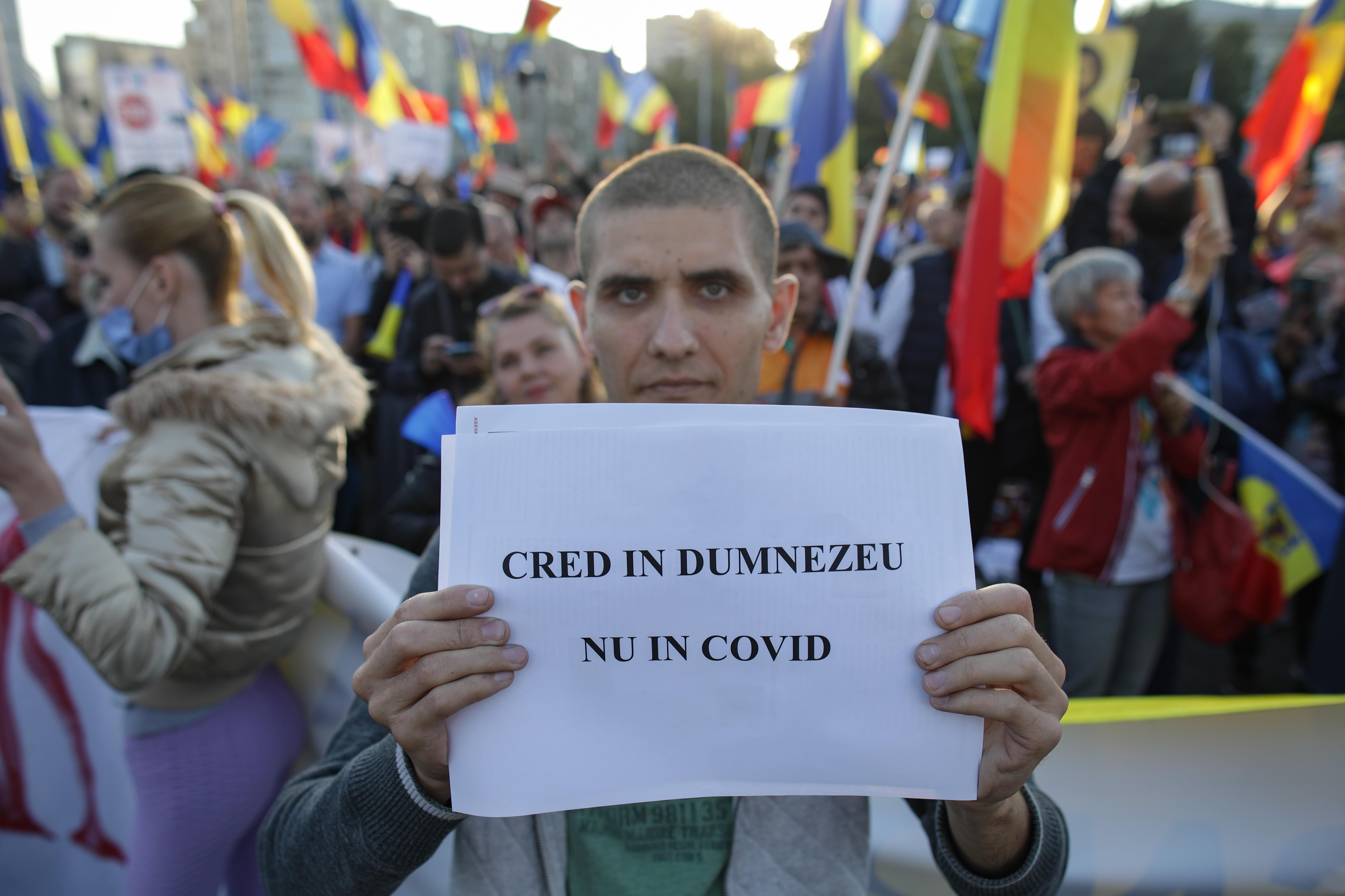 Proteste în Bucureşti și în țară faţă de introducerea certificatului verde. Manifestanții au cerut demisia Guvernului