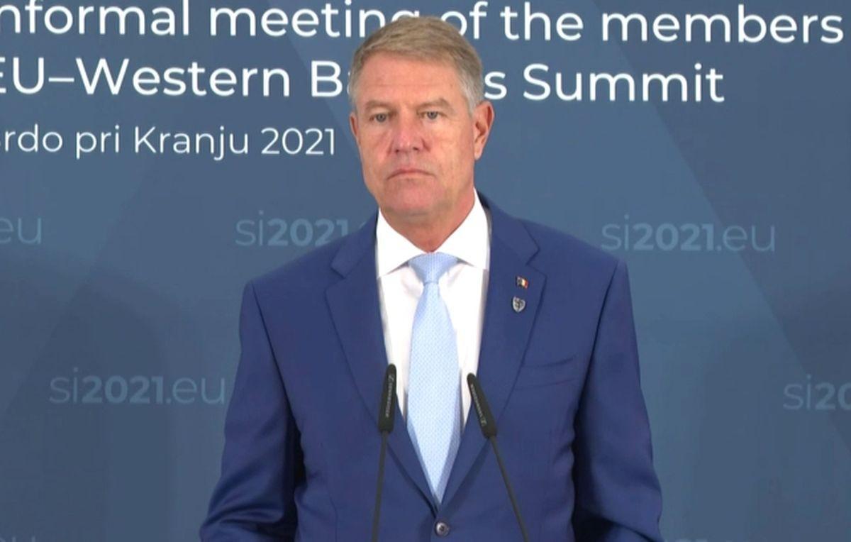 Motivul pentru care Klaus Iohannis nu a convocat mai repede consultări: E o criză diferită şi nu se rezolvă prin ţâfnă, ci prin maturitate