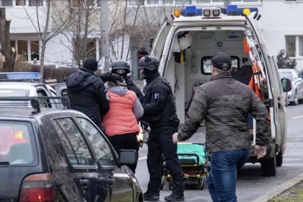 Imagini din apartamentul groazei de la Onești, locul unde doi muncitori au fost uciși de Gheorghe Moroșan
