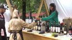 """Zeci de producători au adus peste 700 de soiuri de vin, la festivalul din Cluj-Napoca. """"Preţurile sunt acceptabile"""""""