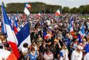 Violenţe în centrul Parisului. A opta săptămână de proteste ale francezilor, faţă de certificatul sanitar şi restricţiile COVID