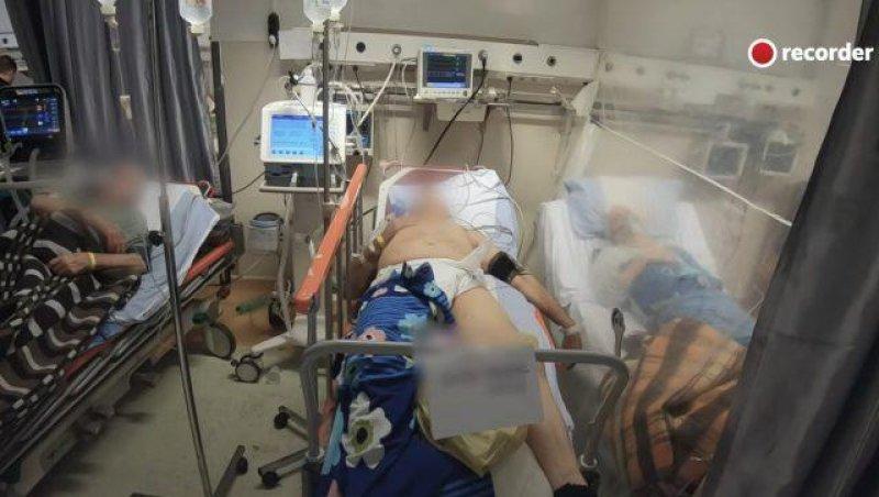 Pacienți Covid, la camera de gardă a Spitalului Universitar din București