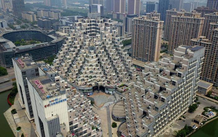 Blocurile piramidă, construcţia bizară care face senzaţie pe Internet