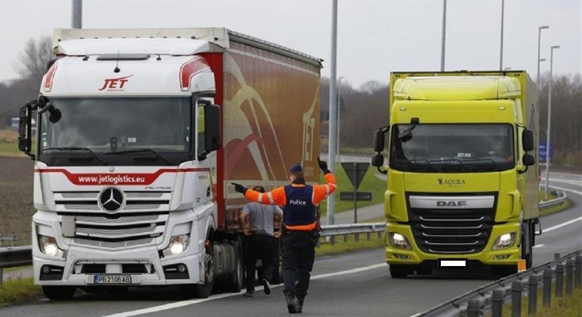 Şofer român de TIR amendat cu 2,2 milioane de euro, în Franţa. A recunoscut toate faptele