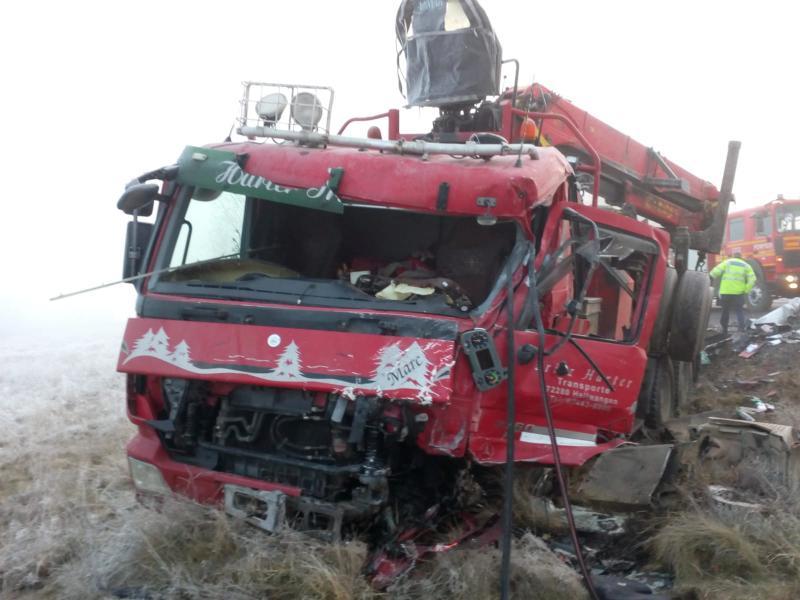 Două camioane s-au ciocnit, în Harghita
