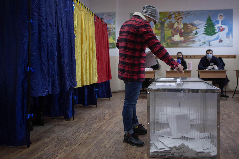 Potrivit rezultatelor parţiale oficiale, PSD are un avans de 4 procente în faţa PNL