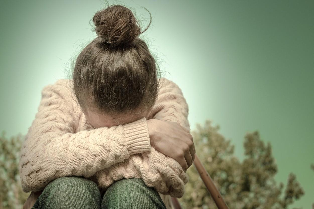 Două fete de 15 ani au fost drogate și batjocorite de zece bărbați, în parc, după ce doi dintre ei le-au dat întâlnire, în Brisbane