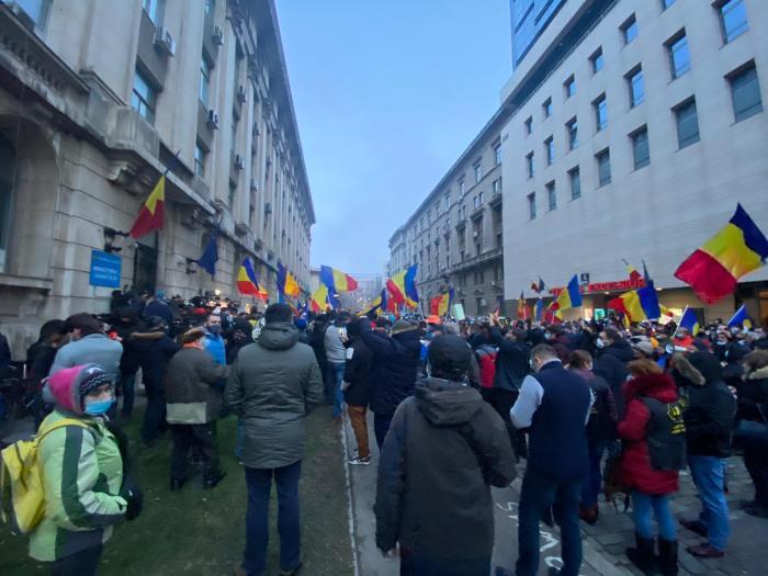 Protest la Ministerul Sănătății, după incendiul de la Institutul Matei Balș din Capitală