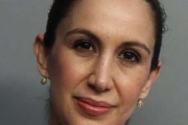 Profesoară reţinută, după ce a întreţinut relaţii intime cu elevul ei. Femeia, acum însărcinată, venea la şcoală înarmată, în Florida