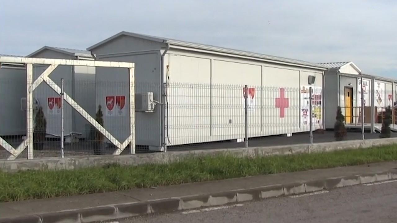 Paradox românesc. De teama unor incendii și explozii, Spitalul de la Lețcani stă cu geamurile deschise. Deși căldura merge în saloane sunt 12 grade