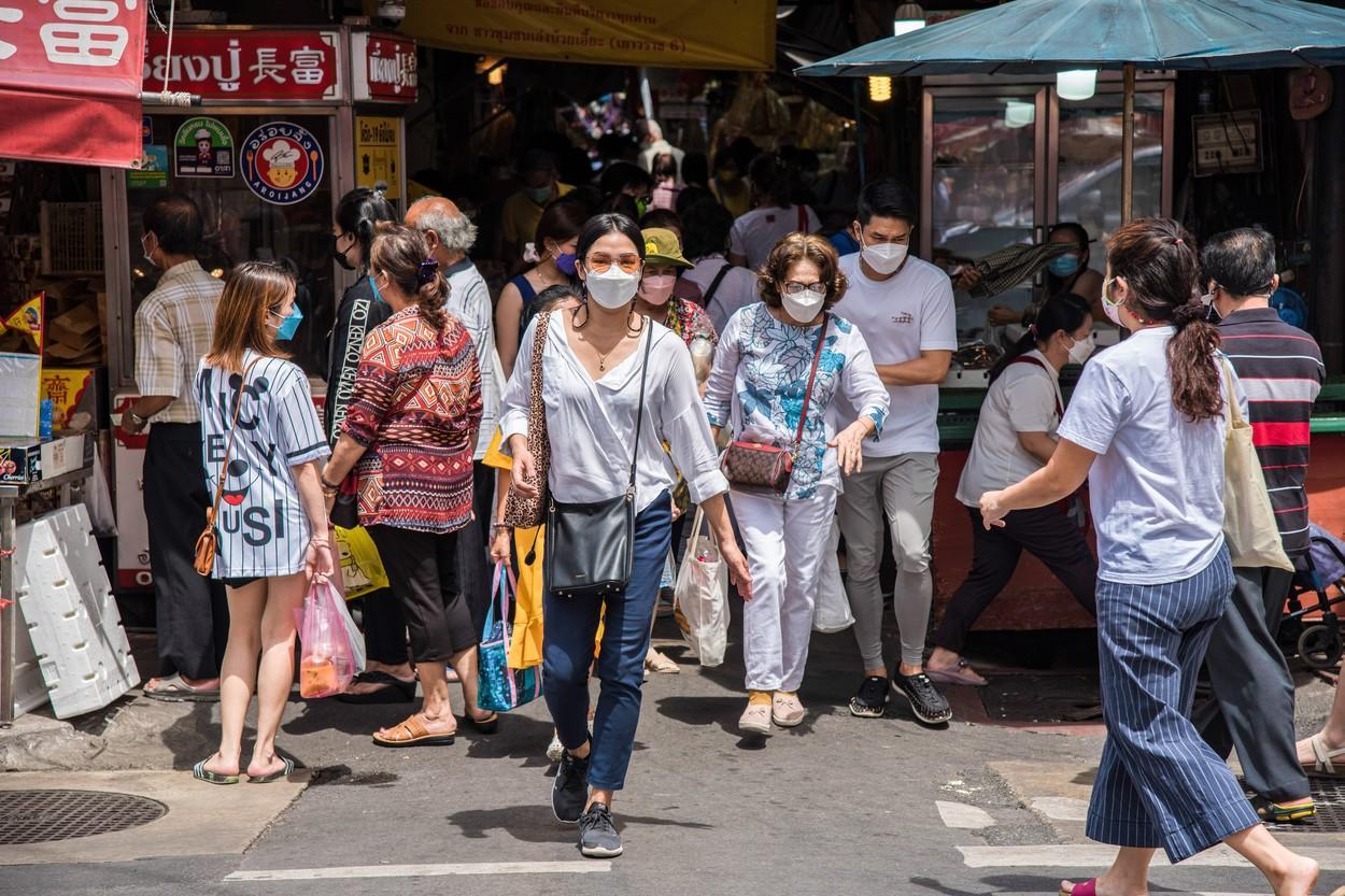 """Tot mai multe cazuri de gripă aviară la om, depistate în China. Experţii cred că o tulpină virală a suferit mutaţii importante. """"Provoacă mortalitate ridicată''"""