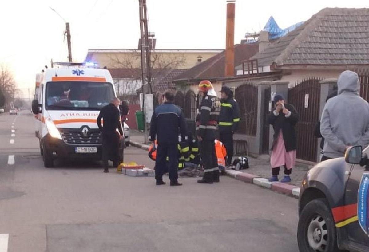 Copil mort la Costinești, după ce au căzut mai multe țevi metalice peste el. Un altul ajuns la spital