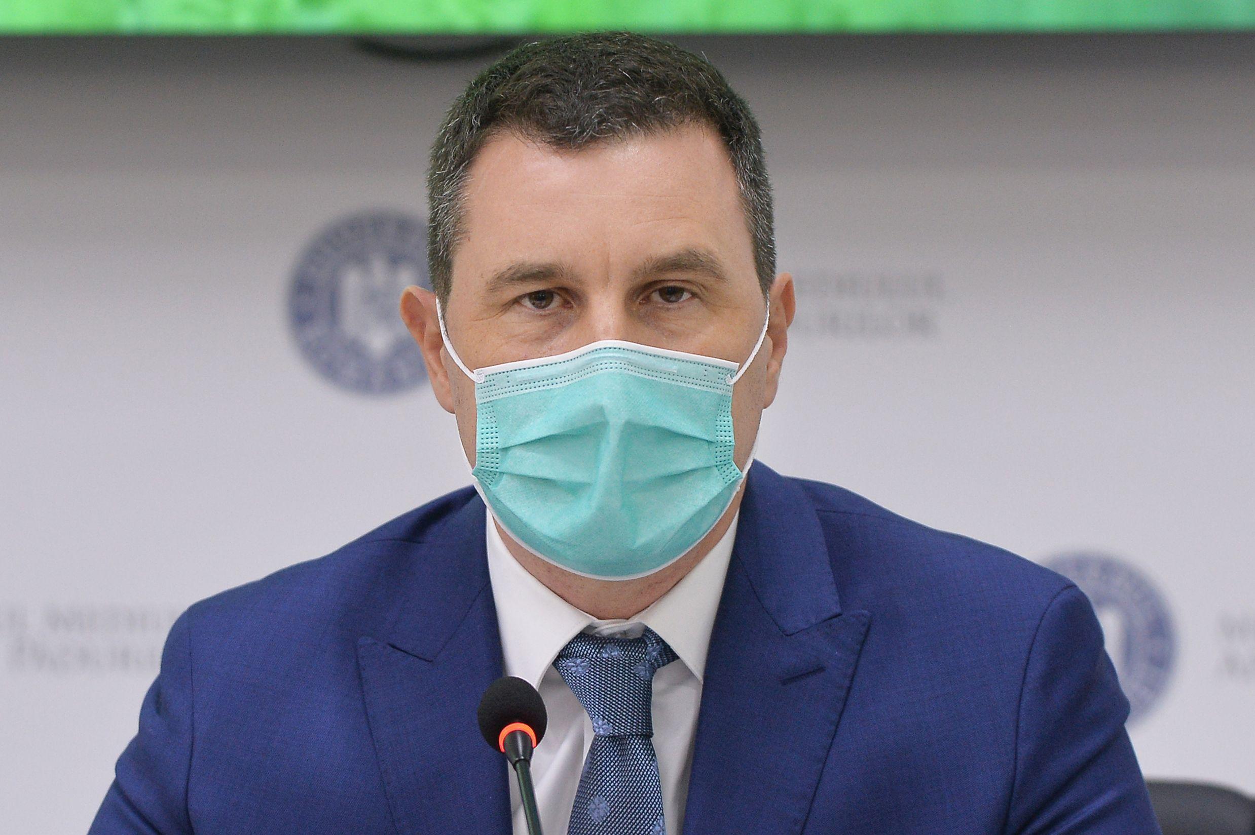 Ministrul Mediului, Tanczos Barna, sustine o conferinta de presa