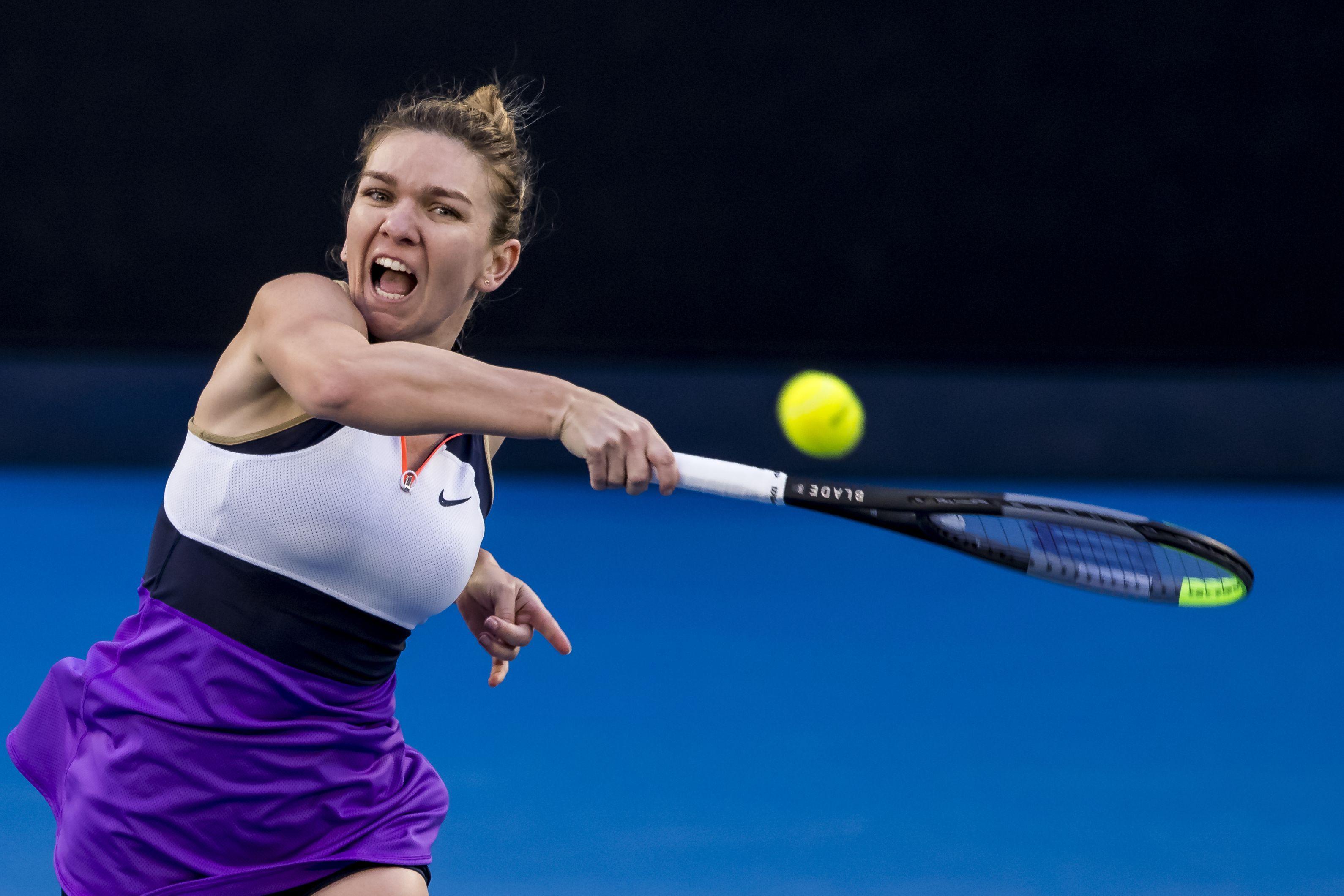 Simona Halep s-a retras de la Miami Open din cauza unei accidentări