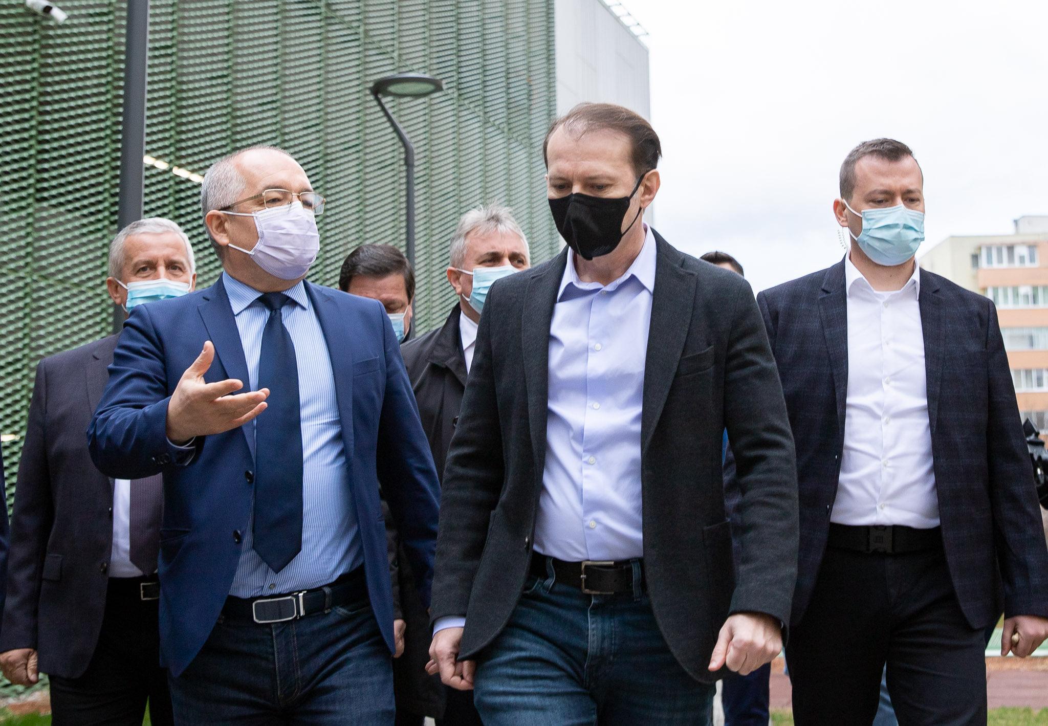 Premierul Florin Cîțu alături de primarul municipiului Cluj-Napoca, Emil Boc