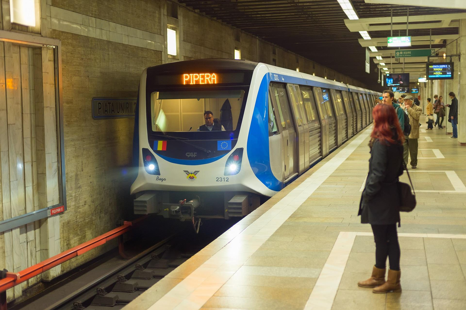 Probleme la metrou, se circulă în sistem pendulă pe Magistrala 1 după ce o femeie și-a pierdut conștiența