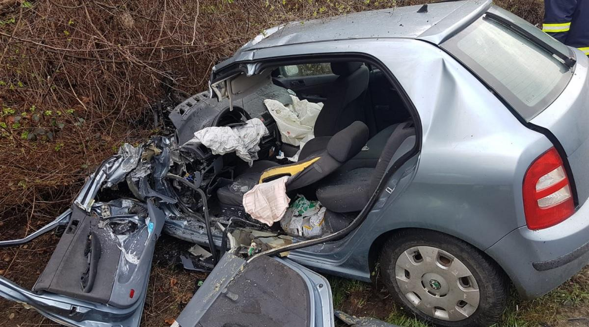 Şoferiţa a fost preluată de medici în stare de inconştienţă