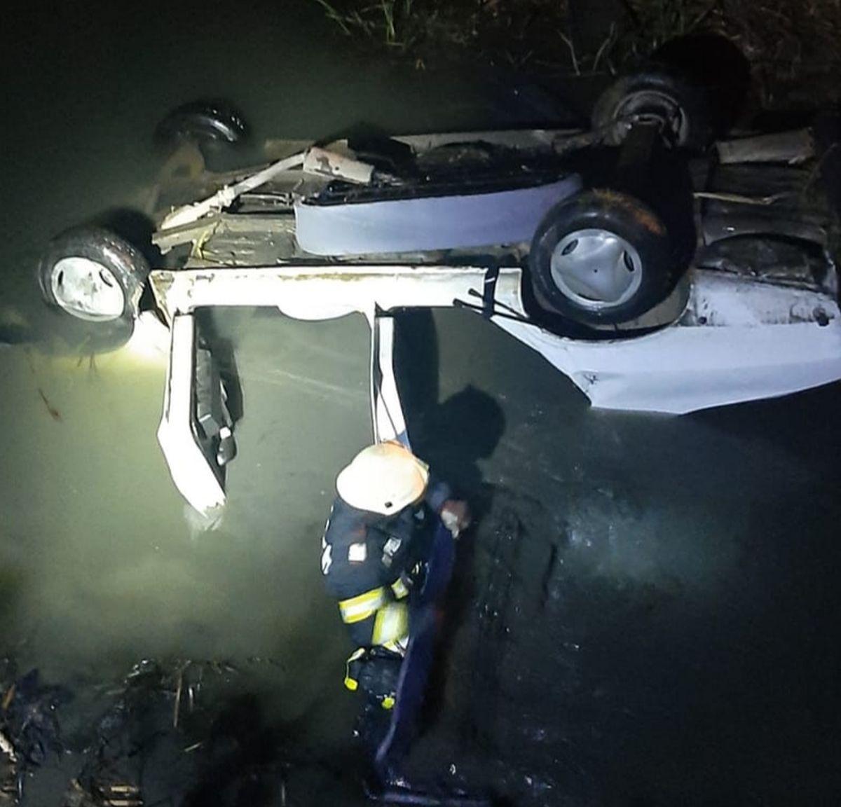 S-au prăbușit cu mașina în Canalul Morilor