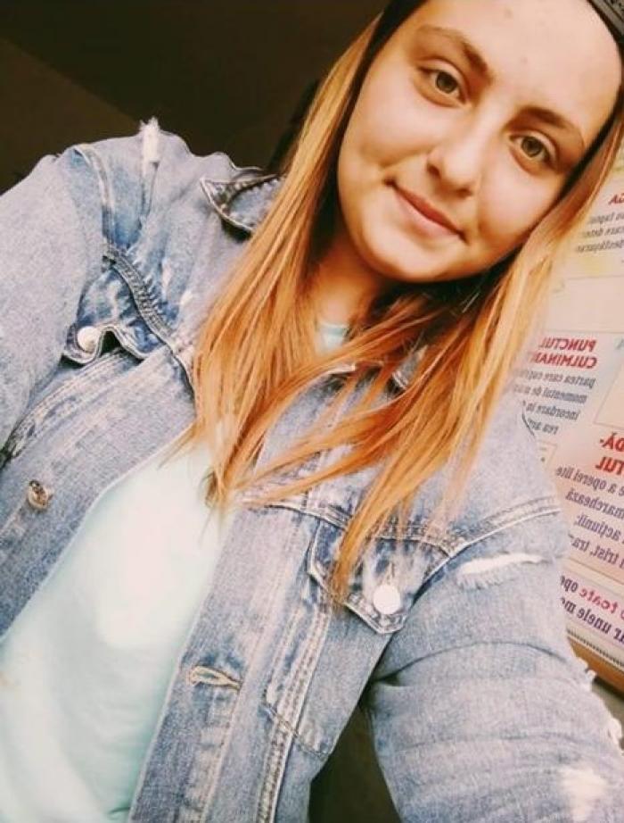 Denisa, o fată de 17 ani, a fost găsită spânzurată în curtea bunicii din Iași. Fata venise în vizită