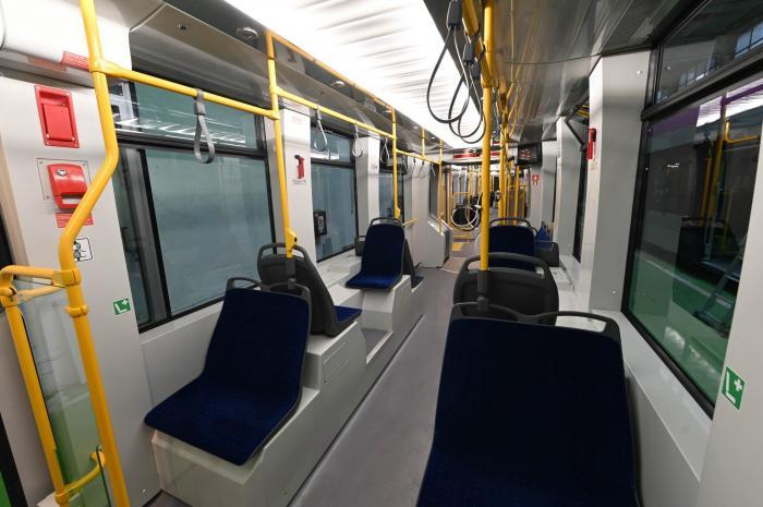 Premieră după decenii în Capitală. Nicuşor Dan a semnat contractul pentru 100 de tramvaie noi. Când vor fi livrate