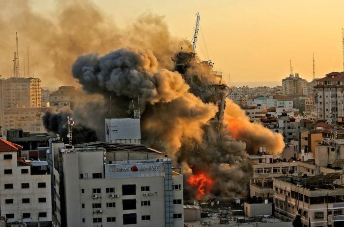 Hamas a anunţat moartea comandantului său militar din oraşul Gaza. Israelul ia în calcul o invazie terestră, SUA trimite un emisar