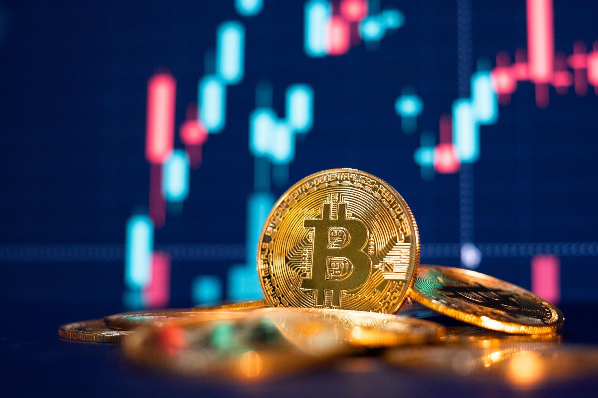 Bitcoin, încotro? Fluctuaţii de 20-25%, probabile în perioada următoare
