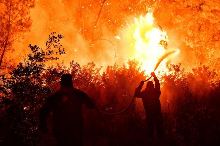 Incendiu de vegetație în Golful Corint din Grecia