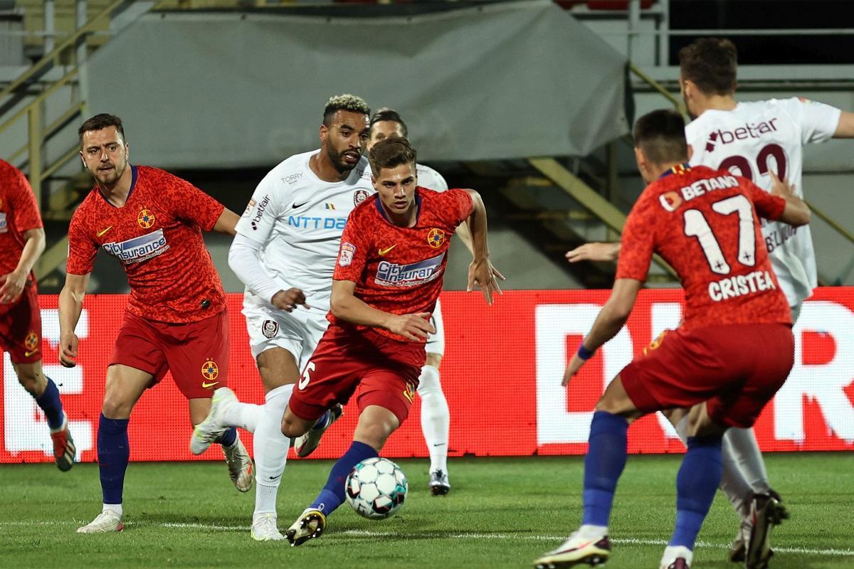 CFR Cluj rămâne favorită la câştigarea campionatului de fotbal, după egalul cu FCSB