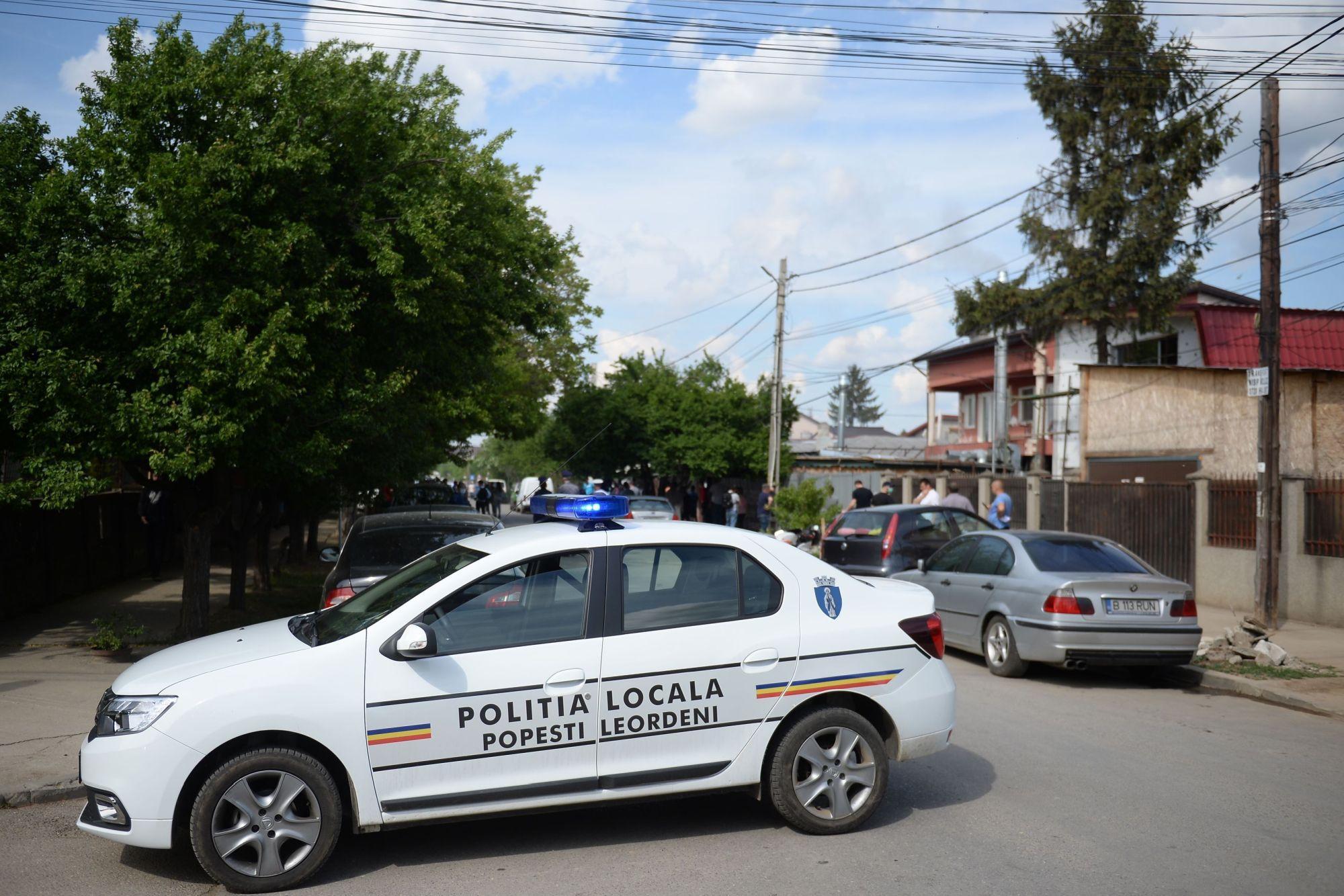 Doi puști de 12 și 13 ani, audiaţi de poliţişti după ce au încercat să spargă o agenţie bancară
