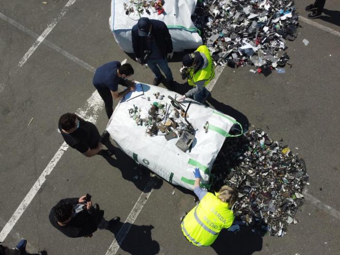 Peste două sute de tone de deșeuri au fost descoperite în Portul Agigea. Urmau să ajungă în Prahova