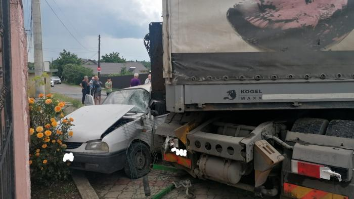 Accident pe o sodea din Vrancea
