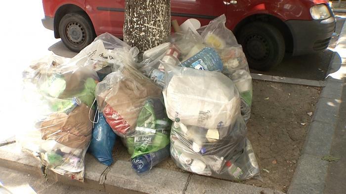 România, tomberonul Europei. Marea Britanie a încercat să scape de un uriaş coş de gunoi cu ajutorul mafiei gunoaielor din România