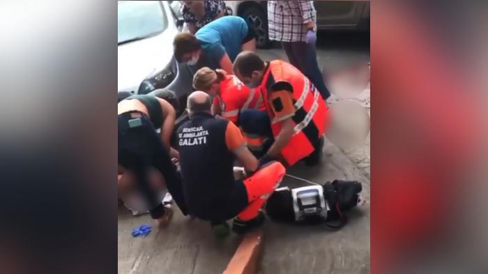 """Gabi """"Șef"""" a fost înjunghiat în gât, în plină stradă, la Galați"""