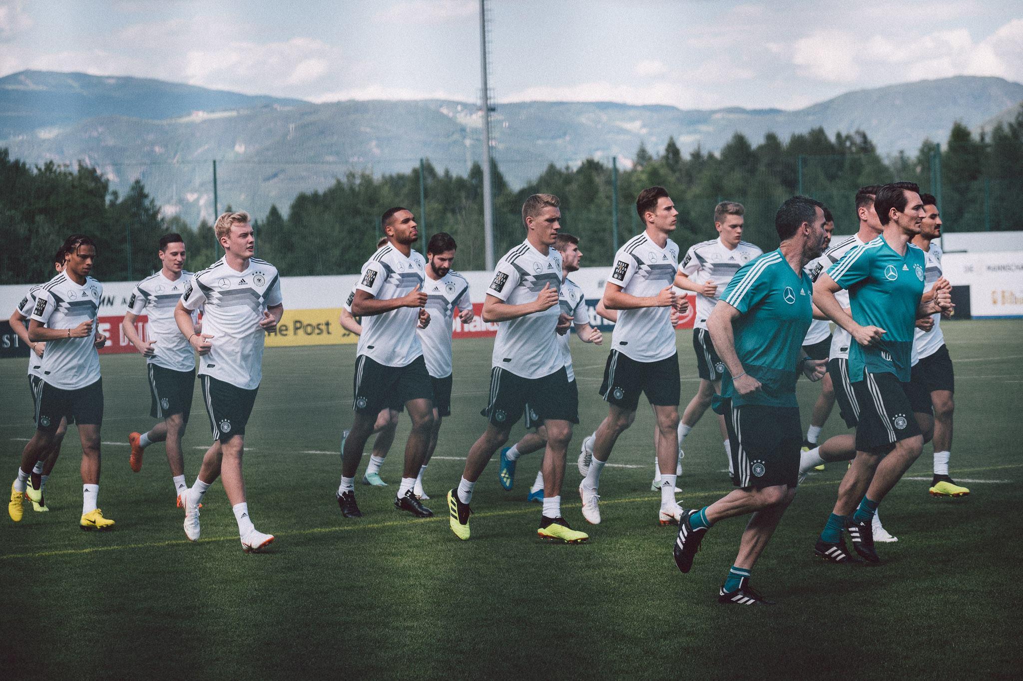 Lotul Germaniei pentru Euro 2020. Nemții se bazează pe experiență: Neuer-Kroos-Muller, axul central al Germaniei