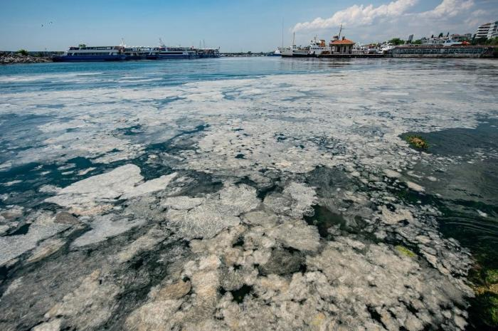 Poluare în Marea Marmara