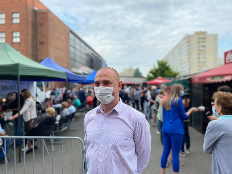 S-a dat drumul la vaccinare în Piața Obor