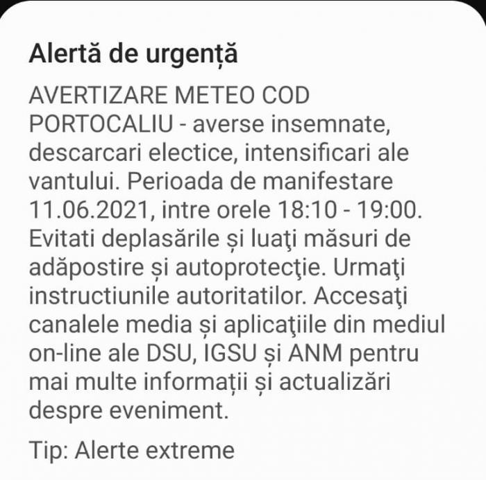 """Bucureştenii, avertizaţi prin sistemul RO-ALERT: """"Evitaţi deplasările şi luaţi măsuri de adăpostire şi autoprotecţie"""""""