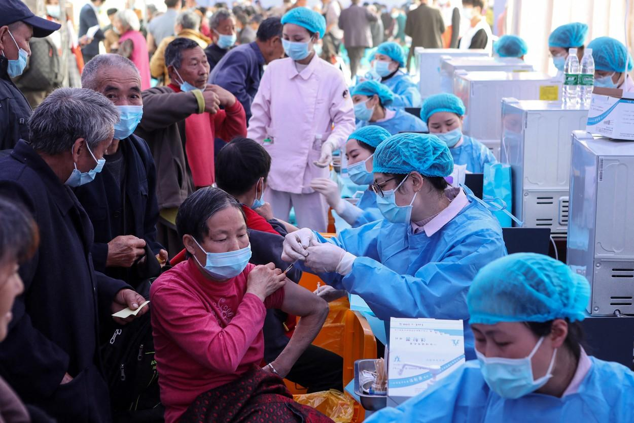Cum a ajuns China la peste 1 miliard de doze de vaccin anti-COVID administrate în țară