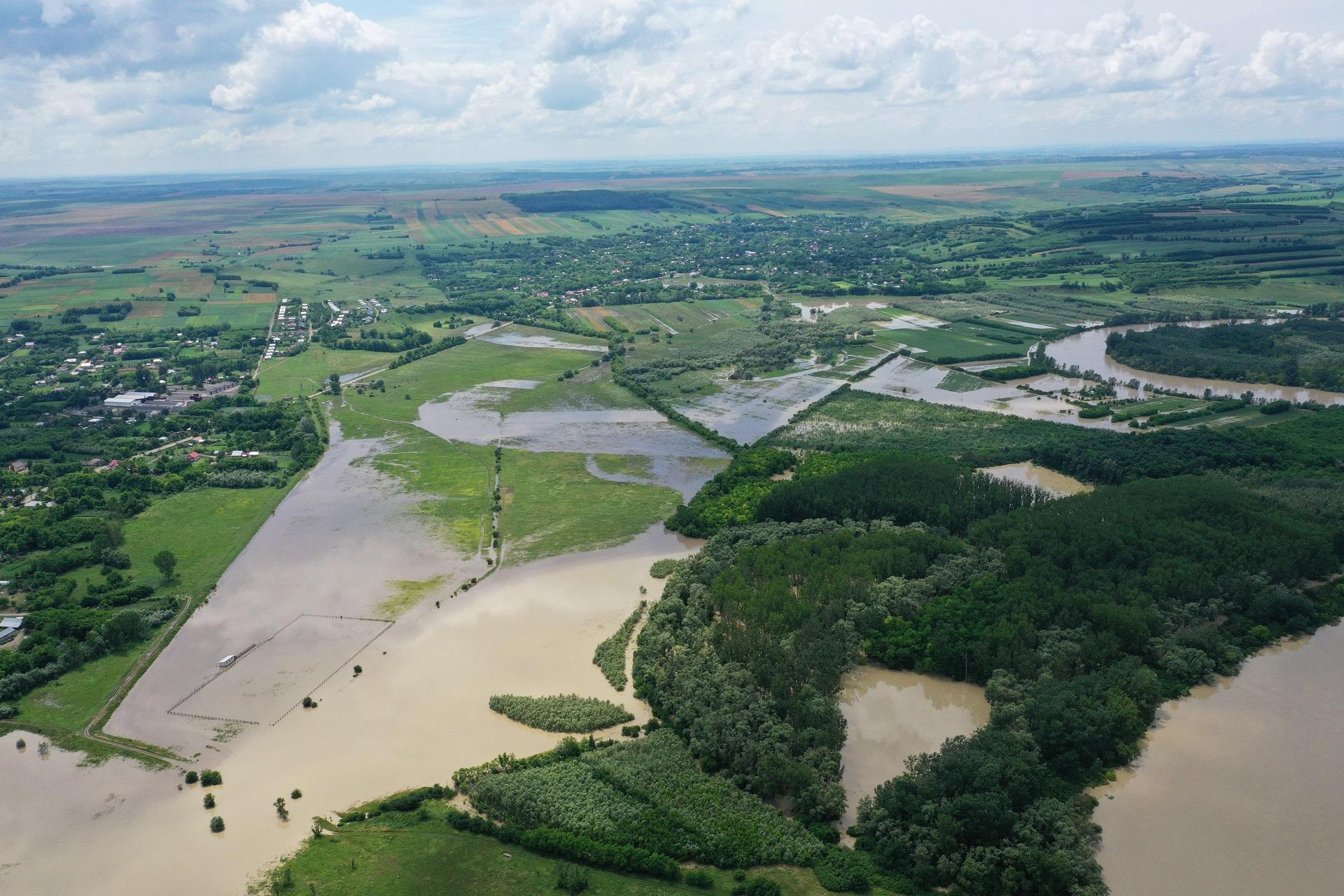 Avertizare Cod Portocaliu: Pericol de inundații pe râurile Negru, Olt, Dobrovăț și Vaslui. Harta zonelor afectate