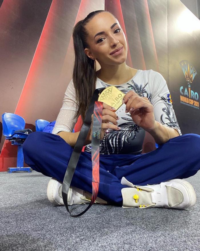 Larisa Iordache cu medalia de aur