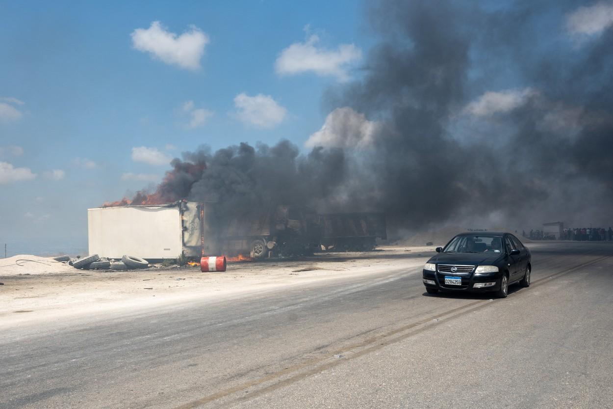 Cel puţin 28 de morţi şi 79 de răniţi în urma exploziei unei cisterne cu benzină în nordul Libanului