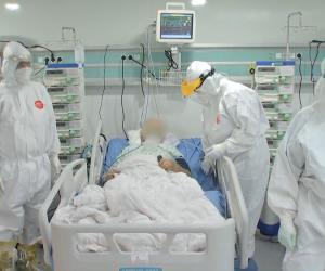 Secțiile ATI, sufocate de pacienții cu COVID. Se vor lua paturi de la bolnavii de cancer sau cei răniți grav. Manager Matei Balș: Nu mai avem unde să îi punem