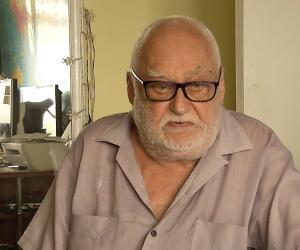 Bătrân de 81 de ani din București, jefuit de o prostituată de 24 de ani, chemată acasă: Se tolănește, se așează pe pat... Îmi daţi banii sau vă omor!
