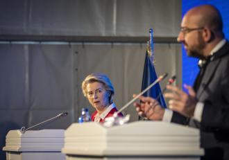 scandalul-sofagate-charles-michel-vrea-un-plan-nou-pentru-statul-pe-scaun-