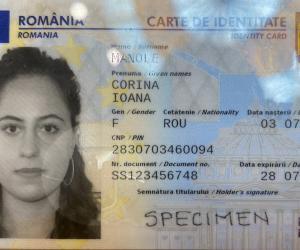 Primele imagini cu noile buletine cu cip, emise de astăzi la Cluj. Cum arată cărţile de identitate electronice